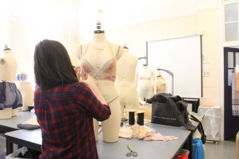 BA (Hons) Fashion Contour student Jade Gellard in the studio