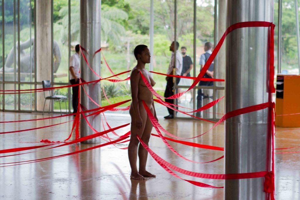 Priscila Rezende performance, 2013 (photo: Luiza Palhares)
