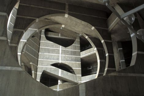 Louis Kahn - National Assembly Building of Bangladesh © Flickr abrinsky (CC BY-NC-SA)