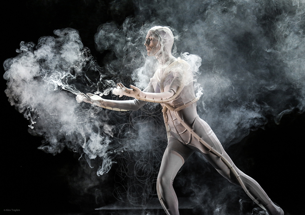 PING by MA Costume Design for Performance alumna Daphne Karstens.