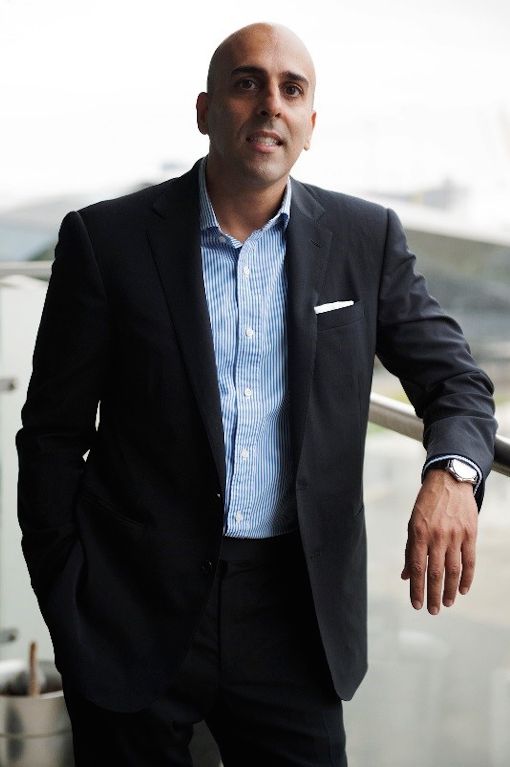 Ranjit Thind publishes the secrets of Strategic Fashion Management with Routledge.