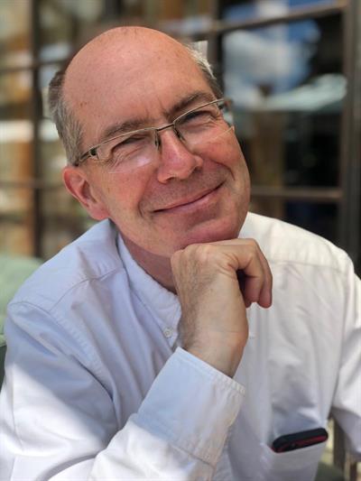 Phil  Baines