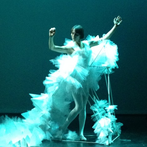 The Snow Queen by Xiao Yufan. performed by Lorraine Smith