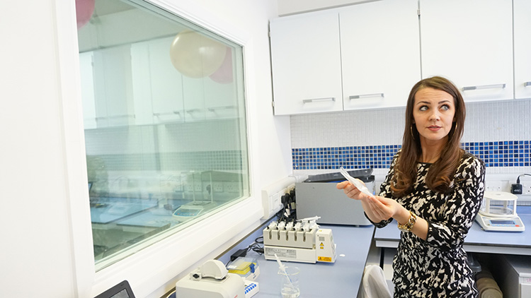 Dr Milica Stevic demonstrates analytical equipment