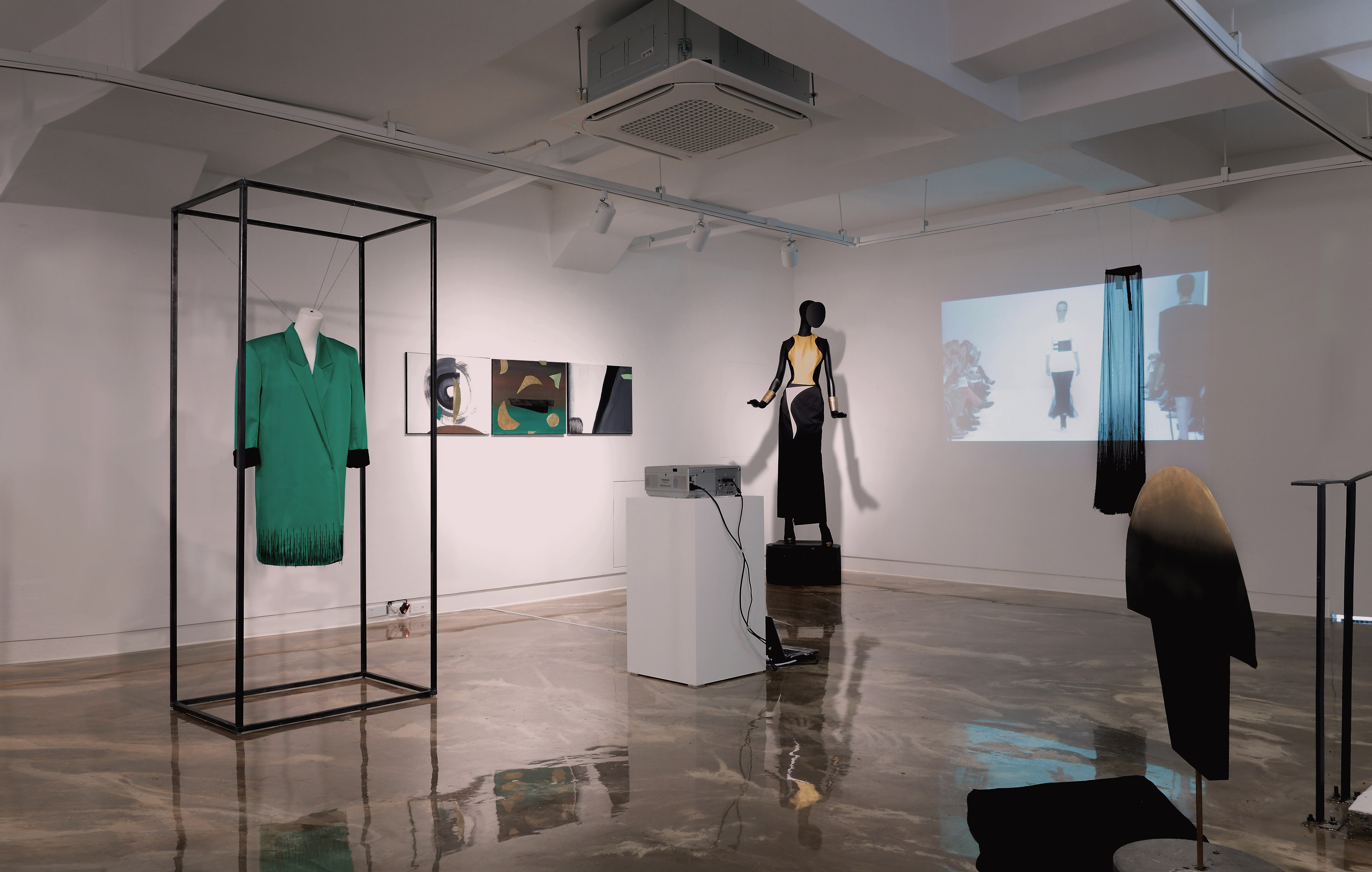 LCF Alumni Hana Cha has  lauched her first solo exhibition in Korea - 'Dada Meets Fashion'