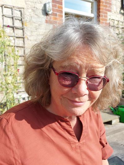Caroline  Dakers