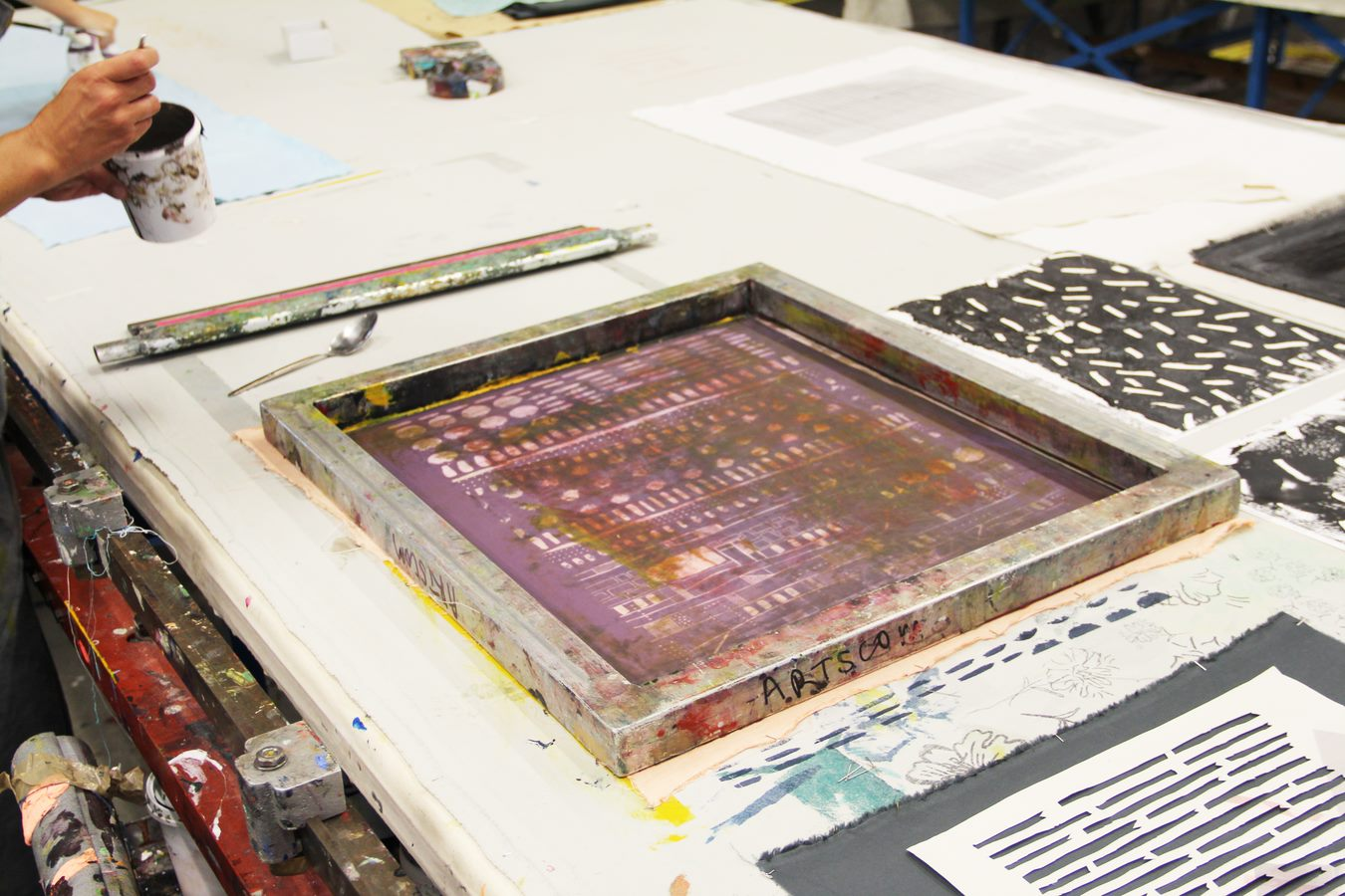 Polychromatic Screen Printing for Textiles