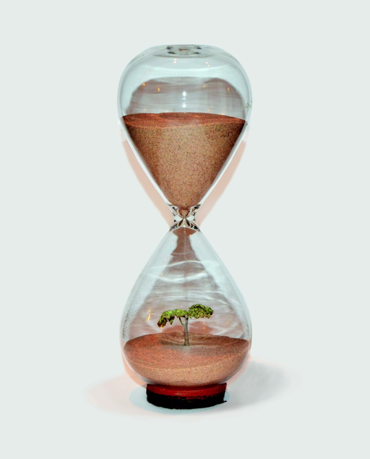 Sumi Khan, The Hourglass concept