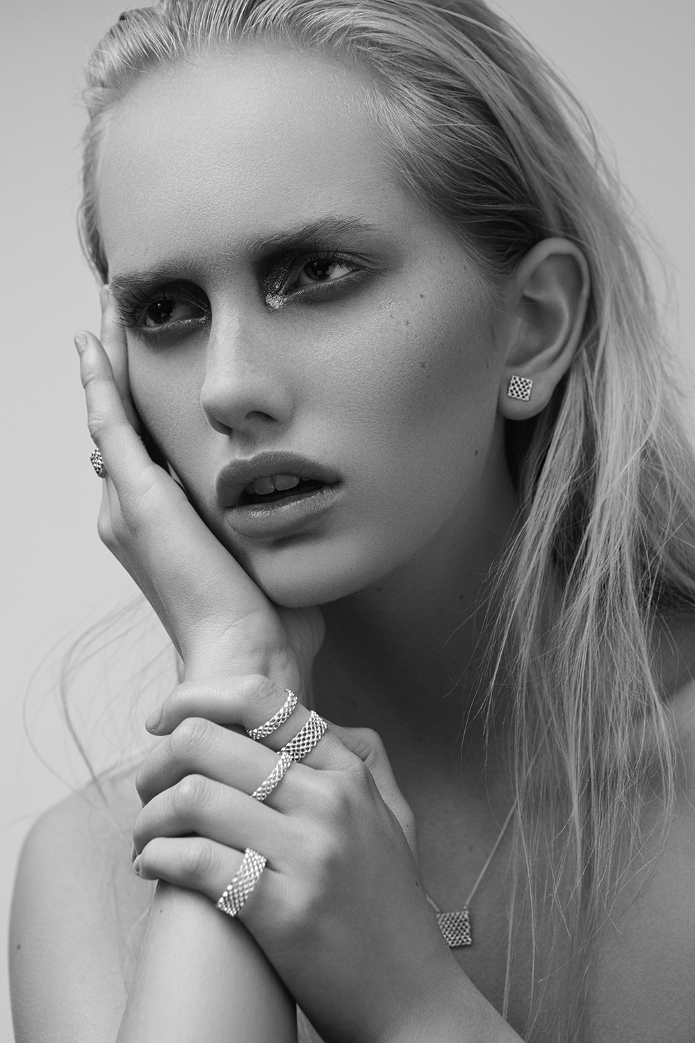 MA Photography Alumni Kári Sverriss spends time between Hamburg, London and Iceland for beauty and fashion shoots.